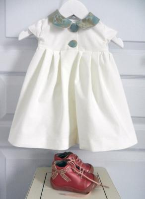 Off white velvet dress with sky blue and beige flower pattern Peter Pan collar - 6 months