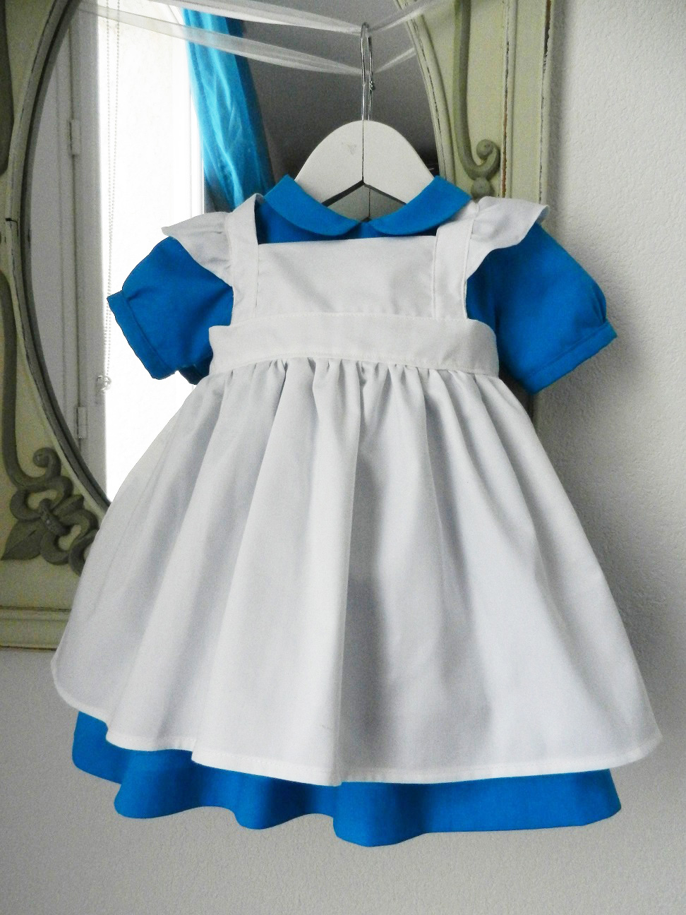 Duchesse or ange 190 robe bleue alice tablier blanc jupon blue dress white apron petticoat f modifie 1