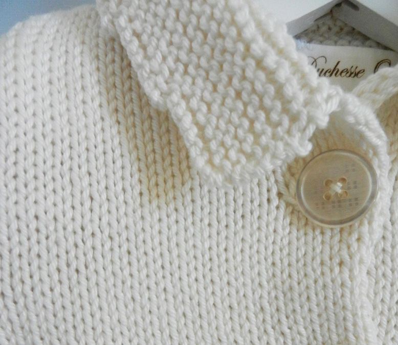 Duchesse or ange 229 c gilet manches courtes creme bebe 1 an