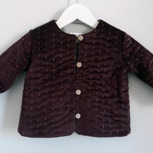 Duchesse or ange 254 a veste bebe velours grenat satin de coton gris molleton baby padded jacket velvet purple grey