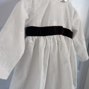 Duchesse or ange 257 b robe velours brode blanche ruban grenat bebe 2 ans dress white velvet white plum burgundy baby