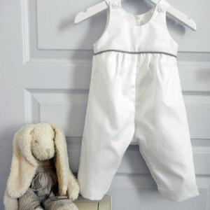 Duchesse or ange 262 salopette blanche bebe passepoil gris white baby overalls grey piping a