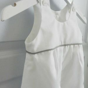 Duchesse or ange 262 salopette blanche bebe passepoil gris white baby overalls grey piping d