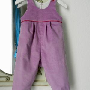 Duchesse or ange 267 salopette velours mauve passepoil rose framboise bebe mauve velvet baby overalls pink piping b