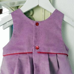 Duchesse or ange 267 salopette velours mauve passepoil rose framboise bebe mauve velvet baby overalls pink piping c