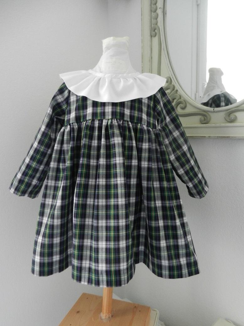 Duchesse or ange doa 282 robe bebe tartan vert noir col fronce blanc baby dress green black tartan white frilled collar a