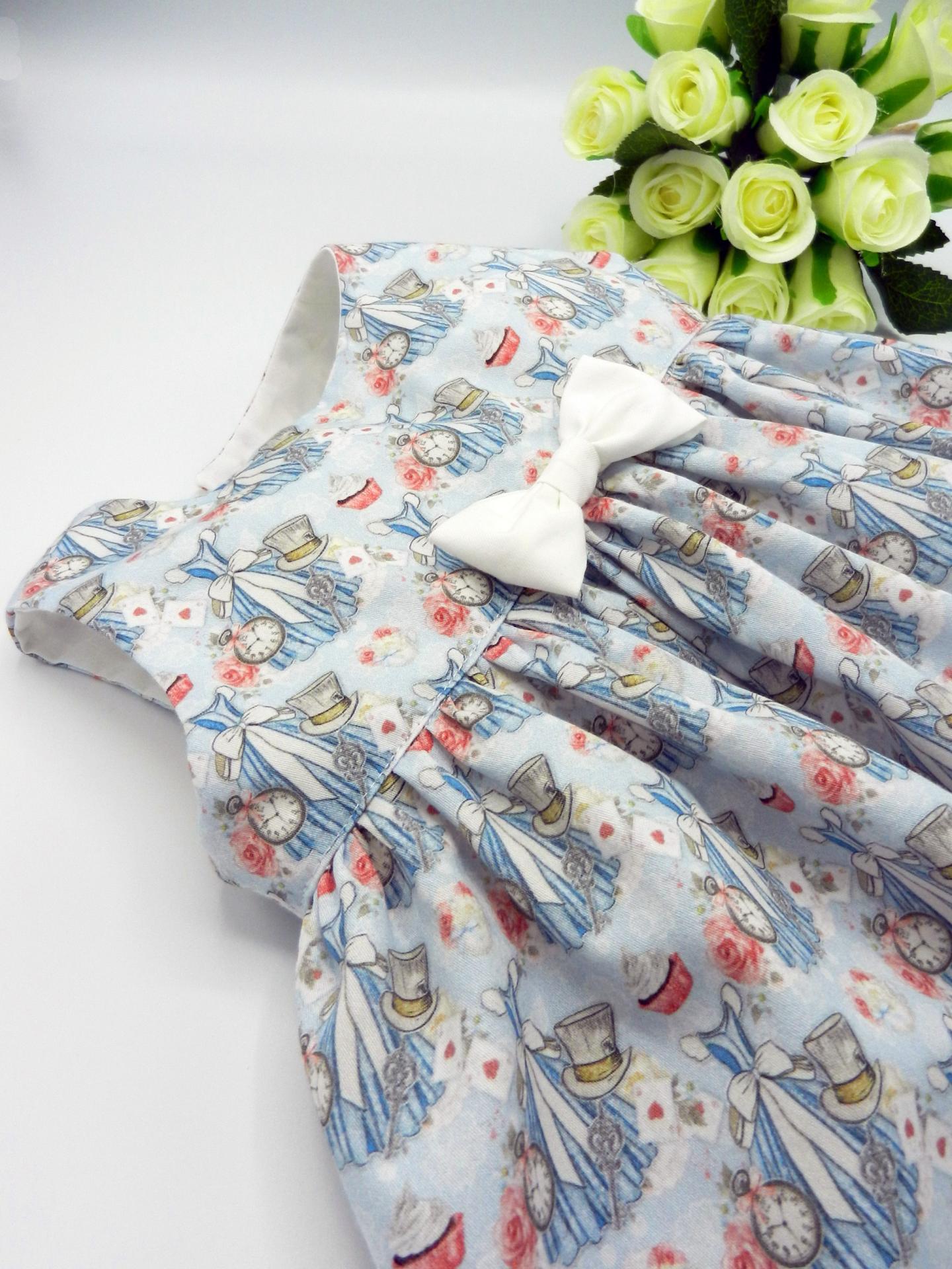 Duchesse or ange doa 308b robe sans manches merveilles bleues noeud blanc sur le devant b