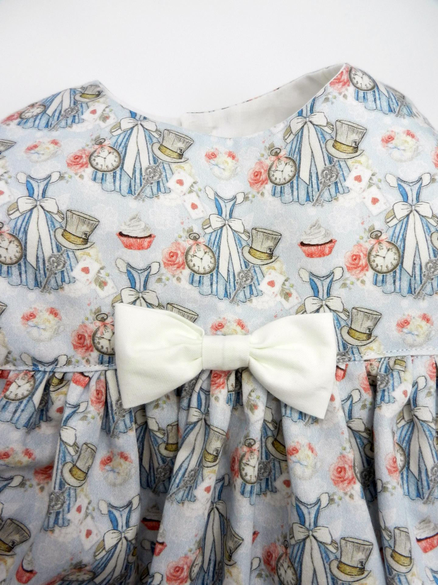 Duchesse or ange doa 308b robe sans manches merveilles bleues noeud blanc sur le devant c