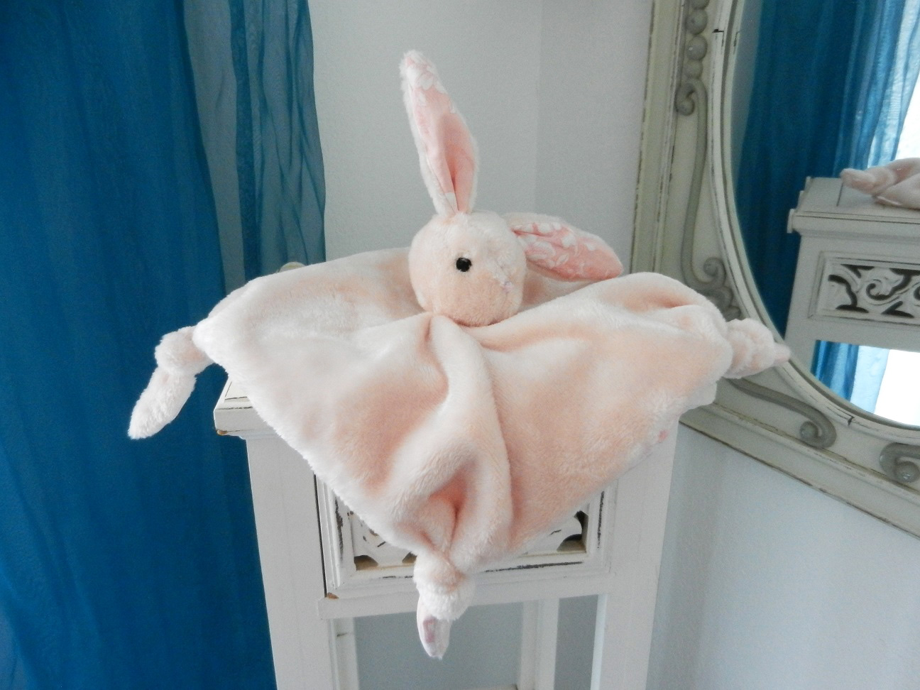 Duchesse or ange doaa 32 lapin rose pink rabbit