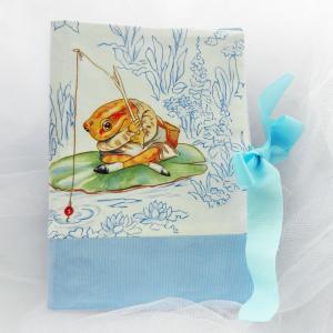 Duchesse or ange doaa 46 protege carnet de sante beatrix potter grenouille frog