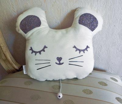 White mouse musical cushion