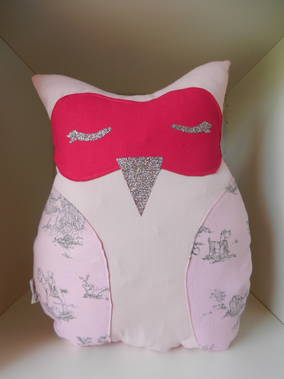 Duchesse or ange doaa 52 coussin veilleuse hibou rose pale et rose fushia b