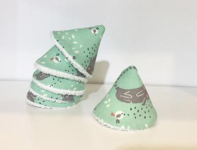 Grey cats green pattern pee pee teepee