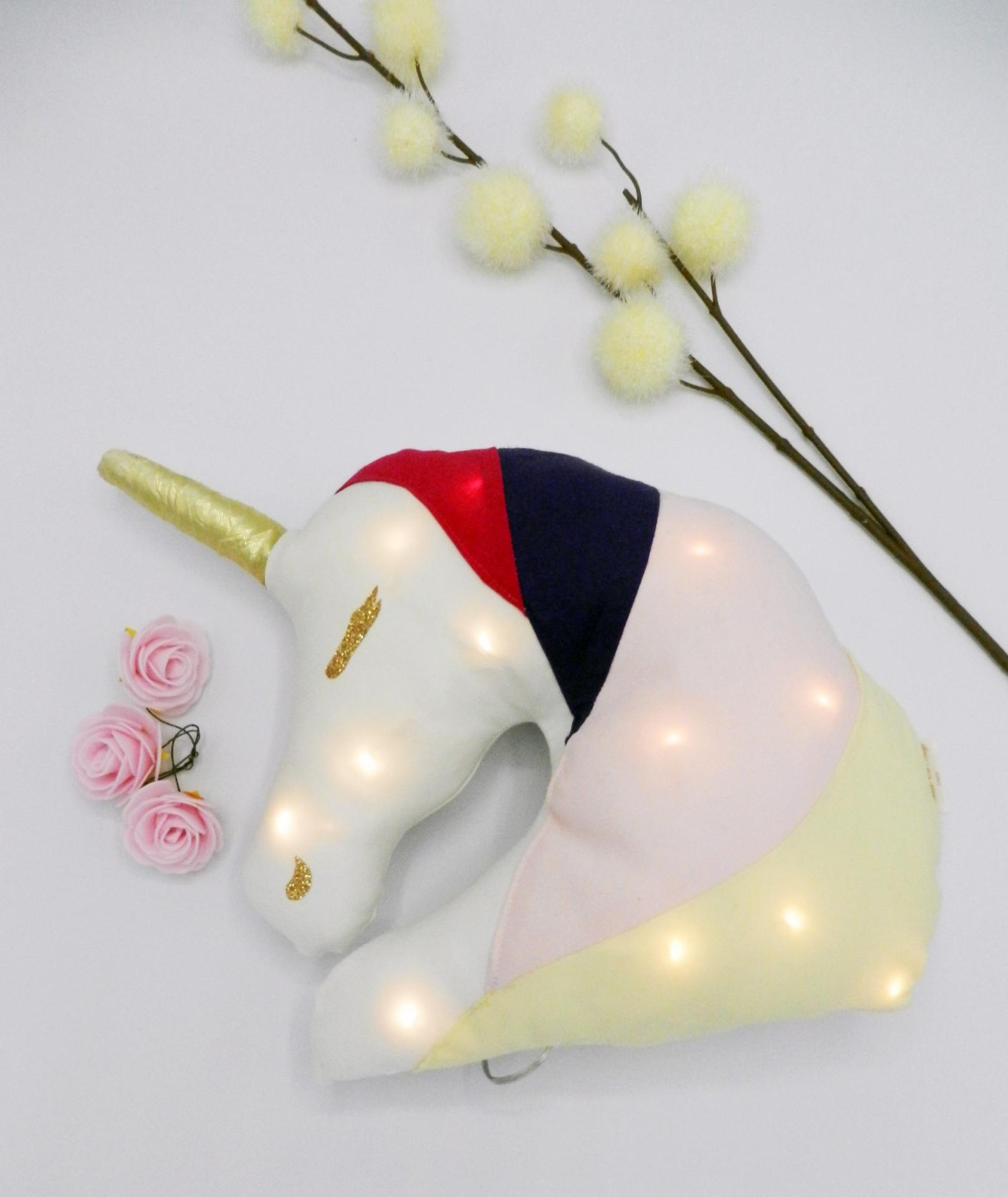 Duchesse or ange doaa 69 coussin veilleuse licorne personnalisable a