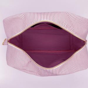 Duchesse or ange doaa 92 sac a langer rayures bordeaux et blanches motif rose bebe avec doudous d