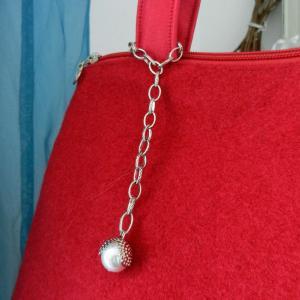 Duchesse or ange doas 10 sac charline rouge duveteux et satine b
