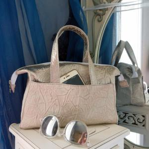 Duchesse or ange doas 5 sac boudoir tissu moire argent d