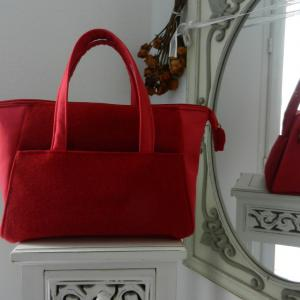 Duchesse or ange doas 9 sac boudoir rouge duveteux et satine b