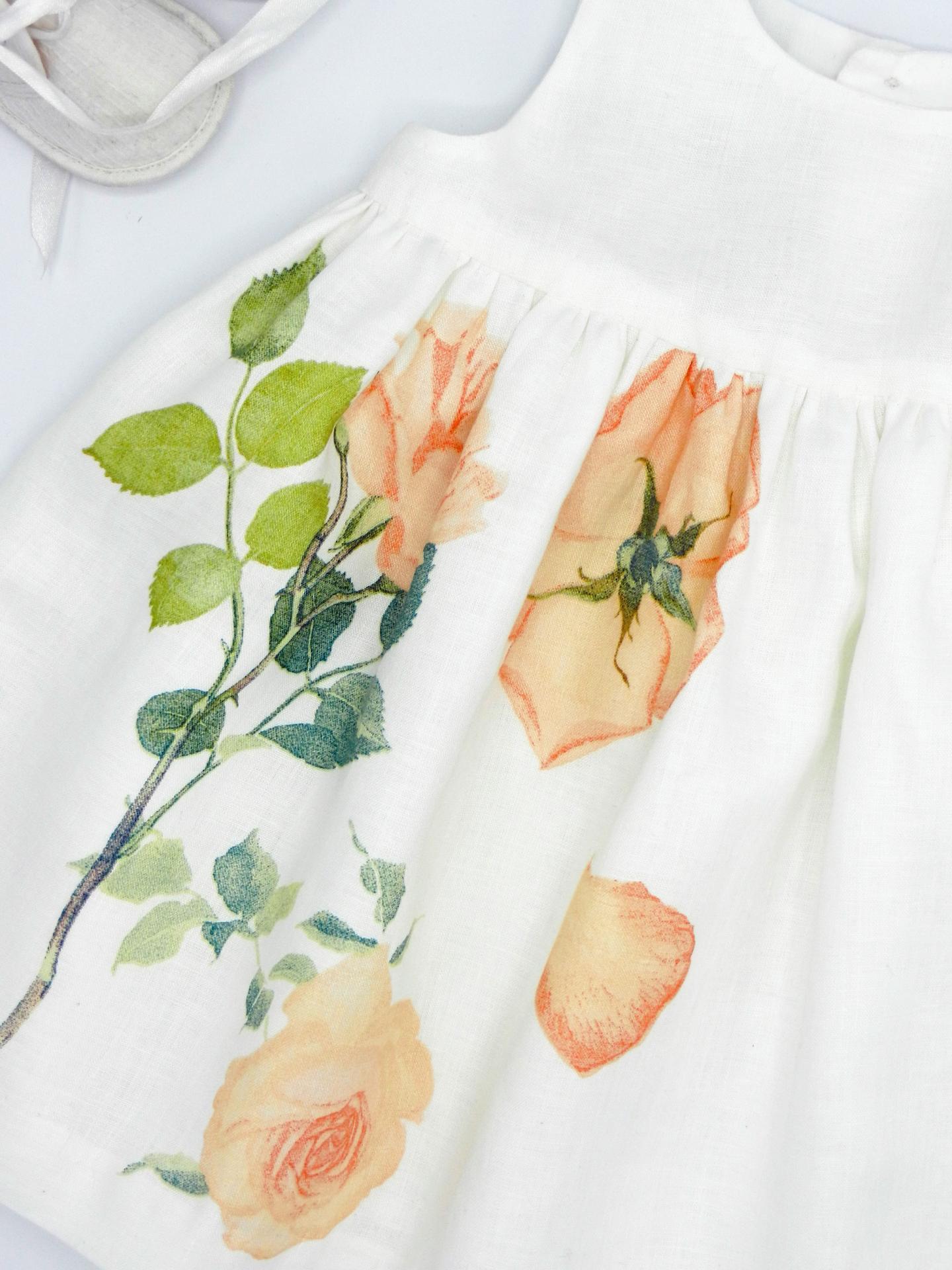 Duchesse or ange robe voile de lin roses orange b