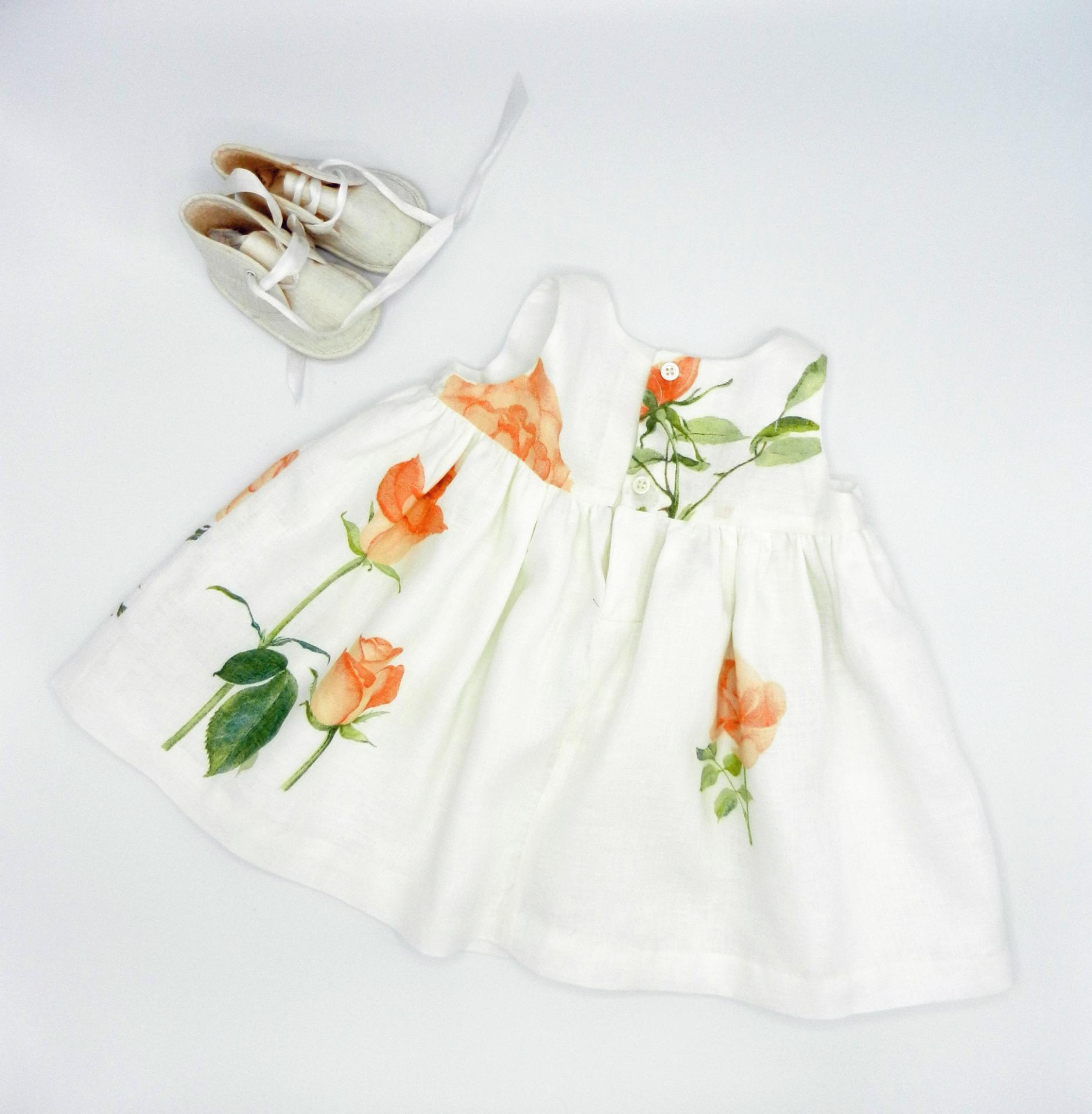 Duchesse or ange robe voile de lin roses orange c